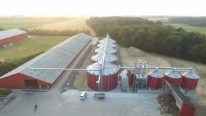 Almas Korn - 10 år med import af siloer og tørrerier fra USA