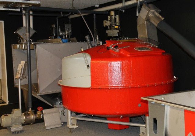10 tons vådfodertank med god inspektion