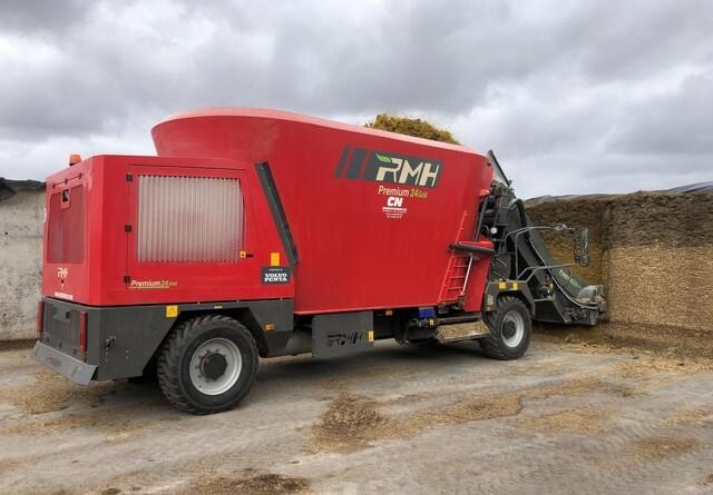 Selvkørende fuldfodervogn sparer tid og brændstof
