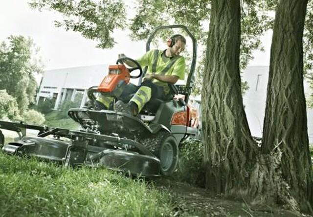 Ny Rider til ujævne græsarealer