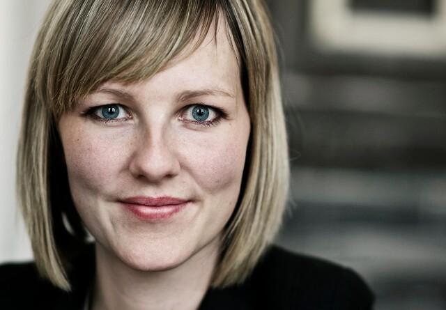 Auken bliver mor - Dyhr bliver bonus-minister