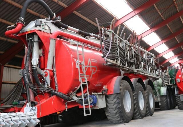 Biogaspumpe og ekstra led på læssekran