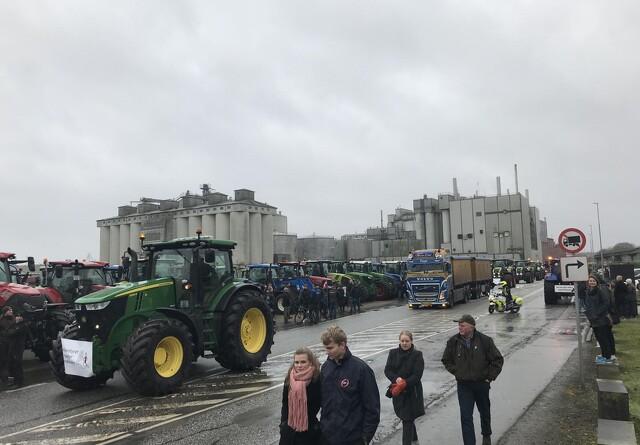 Ni traktordemonstranter er sigtet af politiet