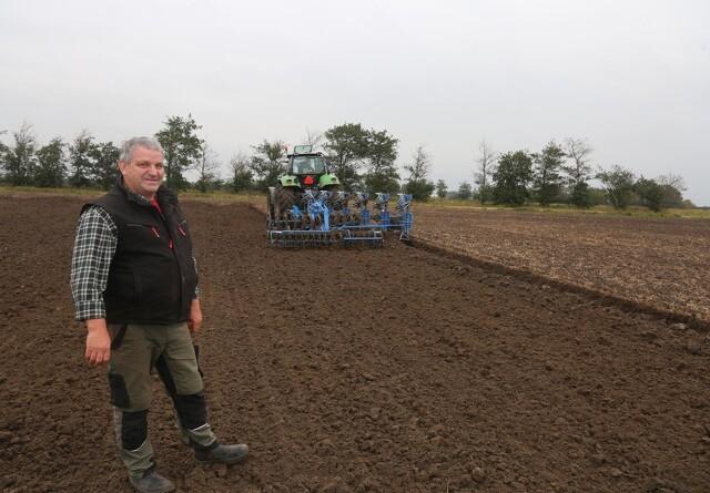 1000 hektar skal pløjes med slæbepakker