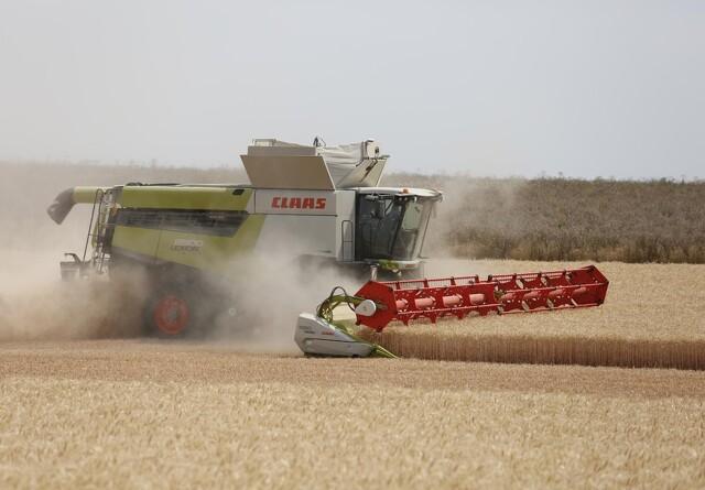 120 ton høstet korn i timen med Lexion topmodel