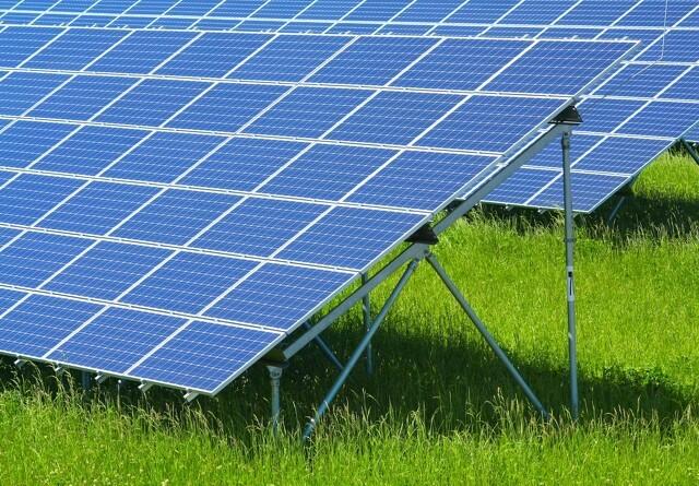 Kritik af solcelleanlæg på landbrugsjord