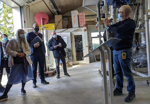 Rasmus Prehn og Dansk Metal-formand besøgte Skyclean-anlæg