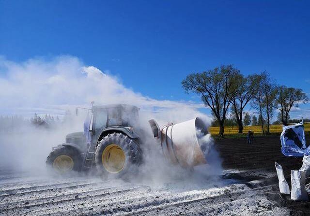 Mælkepulver blæses ud i hele Europa