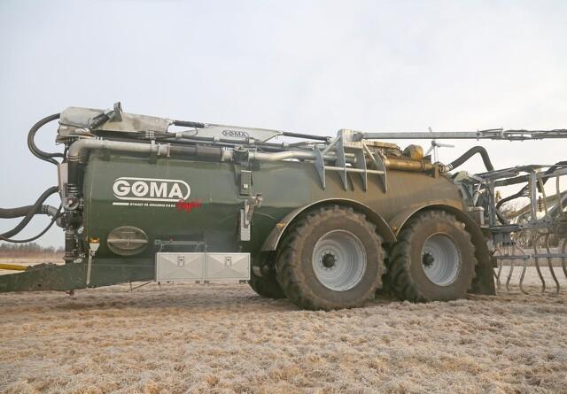 Flere GG-vogne med store hjul