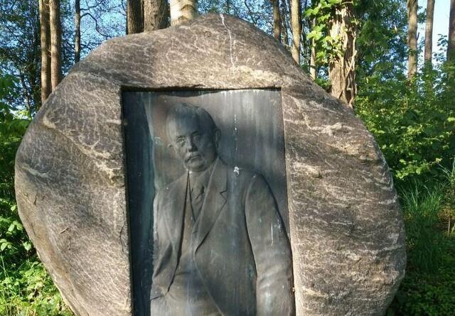 Debat: Man vil flytte mindesmærket over Anders Nielsen, Svejstrup Østergård