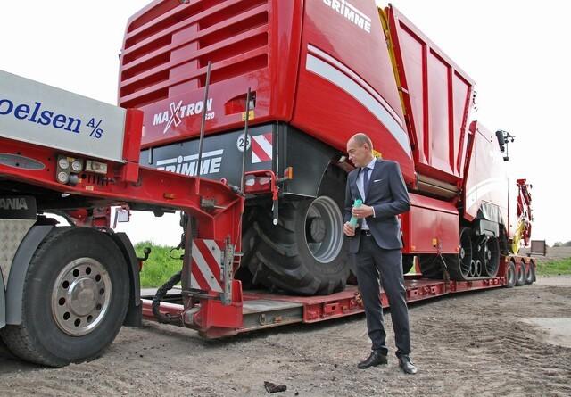 Maskinen vejer ikke mindre på en blokvogn