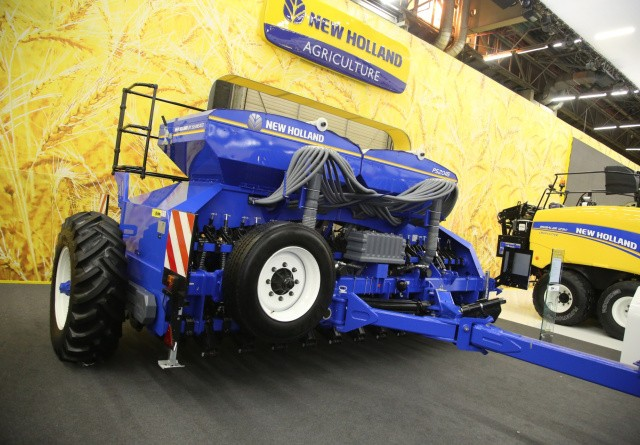 New Holland er snart full-line