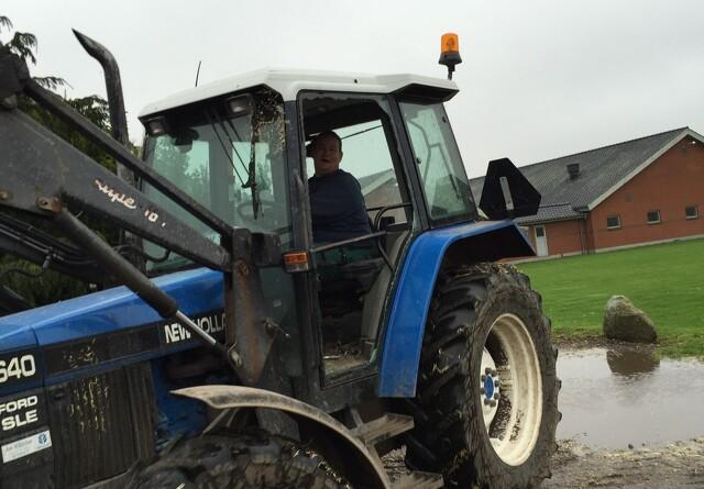 Stedkendte tyve stjal traktor