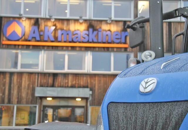 Norsk traktorimportør med blodrøde tal