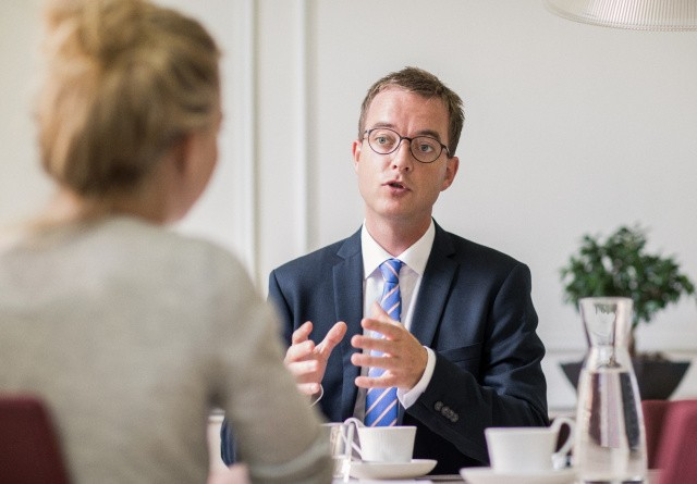 Færre pesticidrester i dansk frugt og grønt