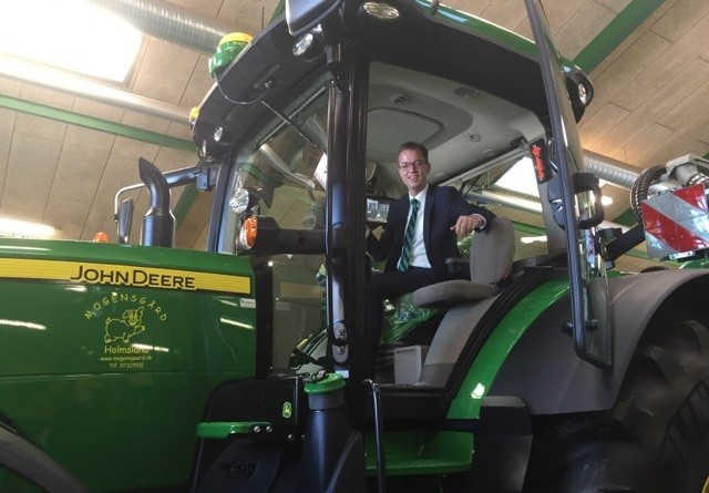 Ministeren besøgte stor John Deere-forhandler