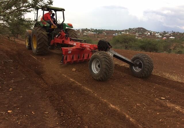 Fransgård laver veje i Tanzania