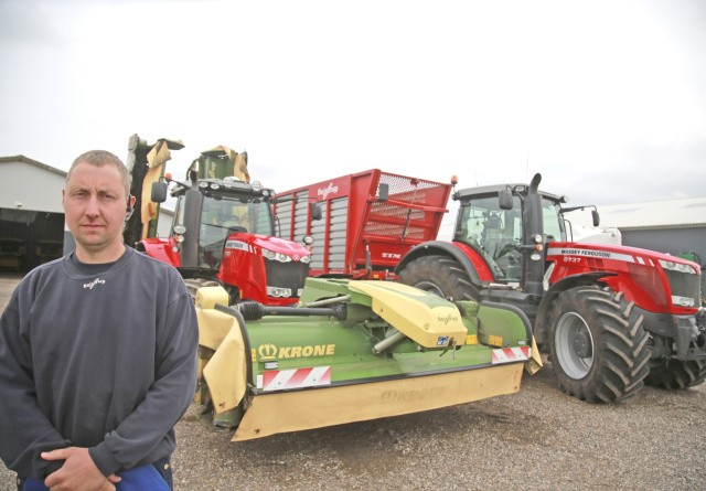 Mellemklasse-traktoren kan også køre gylle