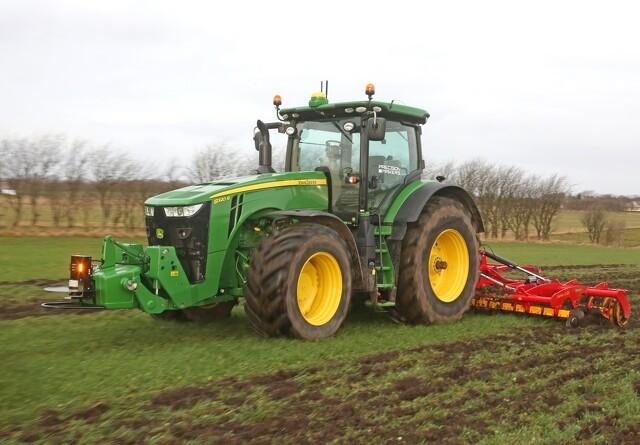 Salget af førerløse traktorer stopper