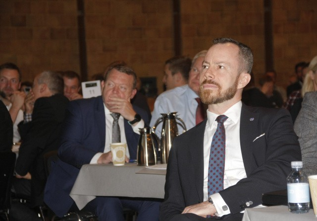 Minister skal se bæredygtig mælkeproduktion