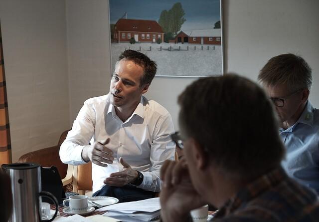 Et oprør ulmer blandt danske svineproducenter