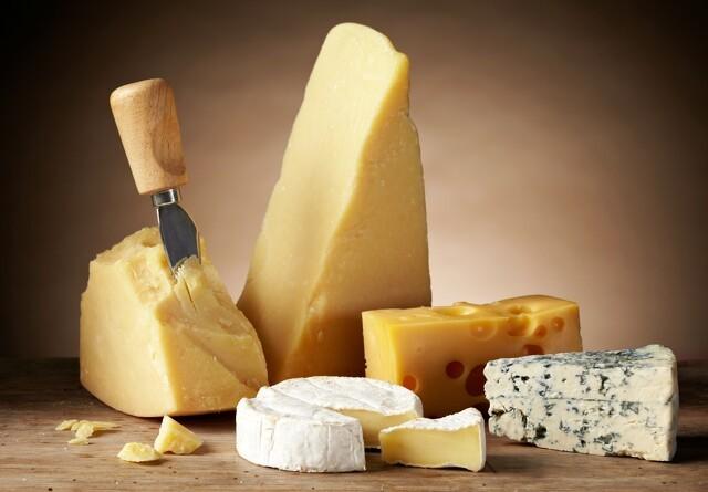 Danske unge køber mindre ost