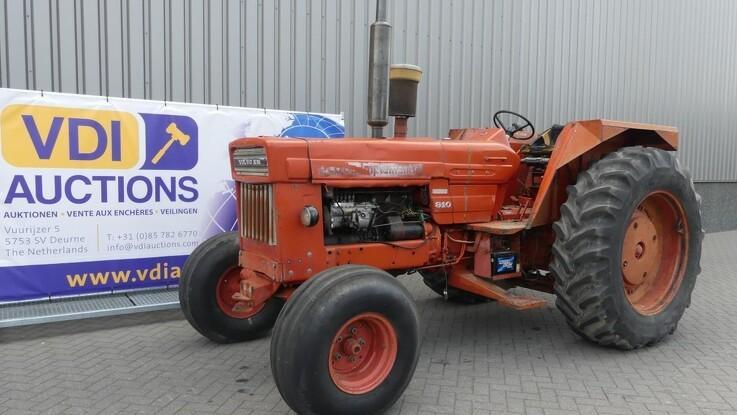 Kæmpe auktion med veterantraktorer