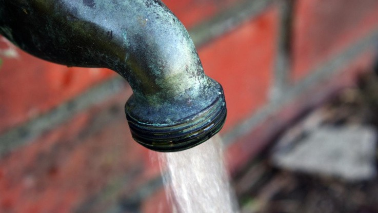 Minister opruster igen på drikkevand