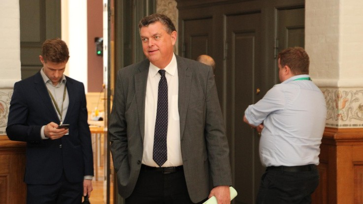 Katastrofalt at ministeren ikke svarer på forslag fra minkavlerne