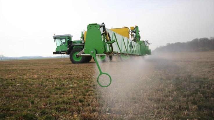 Størstedelen af Glyphosat køres stadig ud før høst i Danmark - er det nødvendigt?