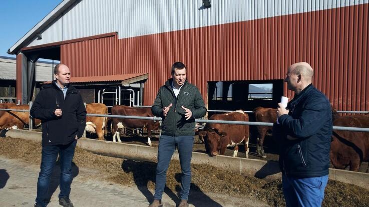 Søren Pape på gårdbesøg til snak om kvægstofudledning og vandplaner