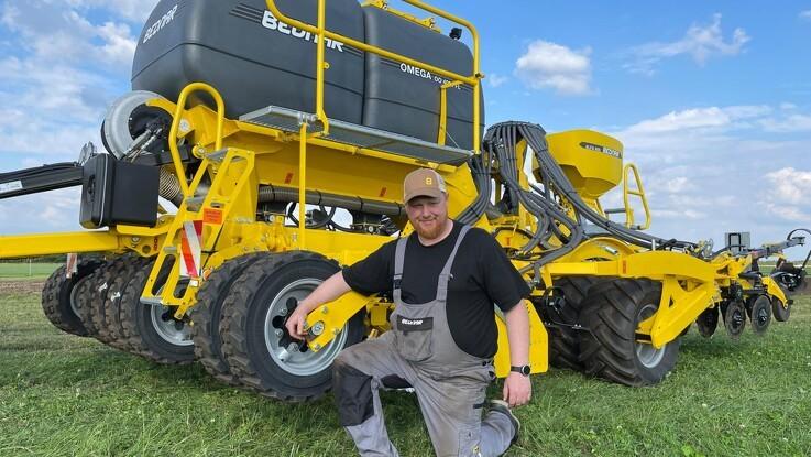 Jordbearbejdning og såning med samme maskine