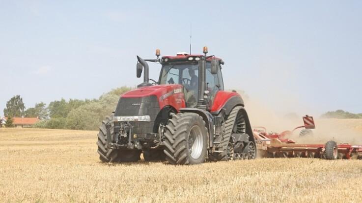 Kombinationen af dæk og bælter giver handy traktor