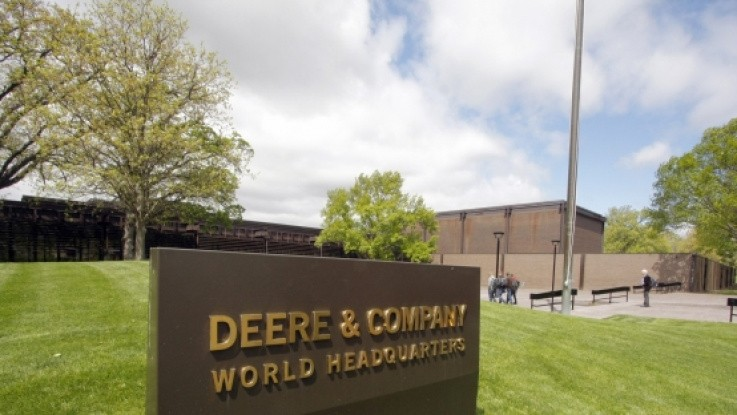 John Deere fastholder milliardoverskud
