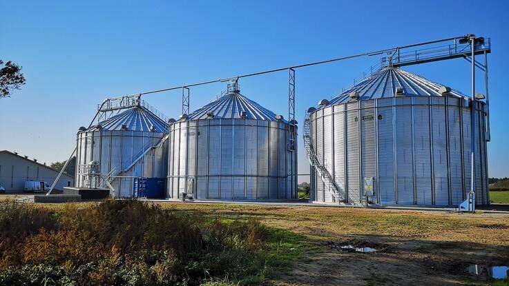 Svineproducent optimerer driftsomkostninger med tørresiloer