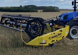 Honey Bee ST Swather 21 fod traktormonteret