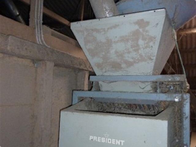 - - - vægt President 100 kg.