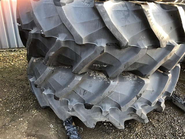Pirelli 20.8R42
