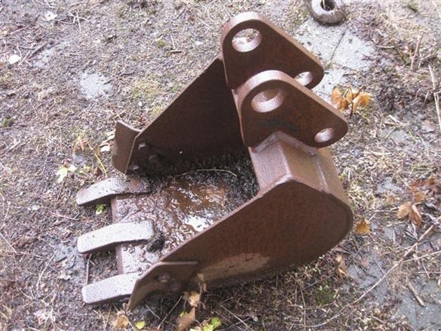 - - - 25 cm graveskovl