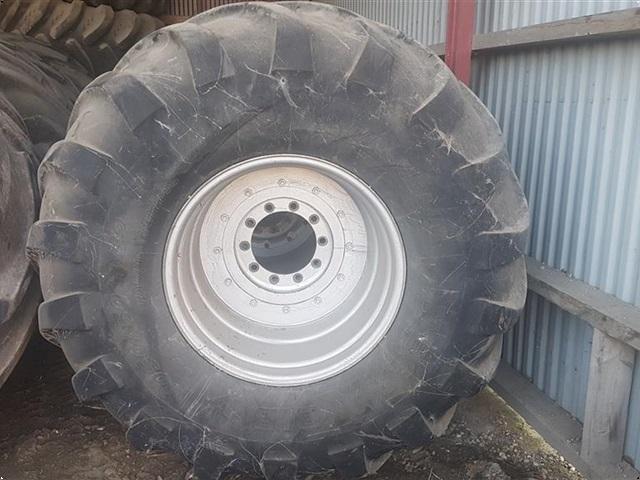Michelin 1050/50 X 32