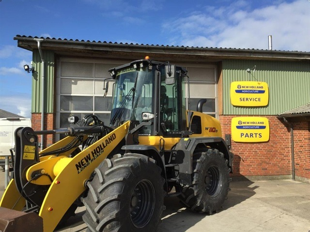 New Holland W110D LR