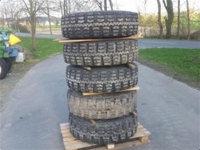 - - - <![CDATA[Continental 12,5 R 20, MTP 12 PR, 5 Reifen mit Felgen für z.B. Unimog]]>