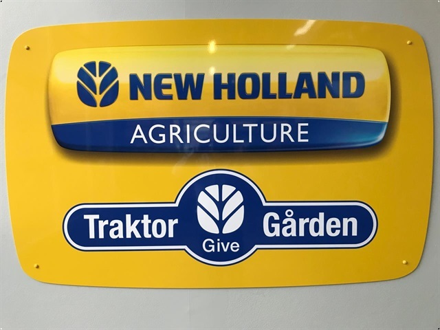 New Holland TM 125 4WD