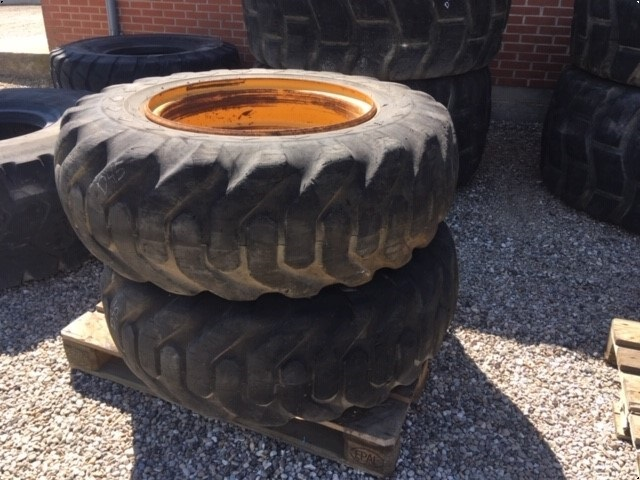 Goodyear L-2 Sure Grip Loader