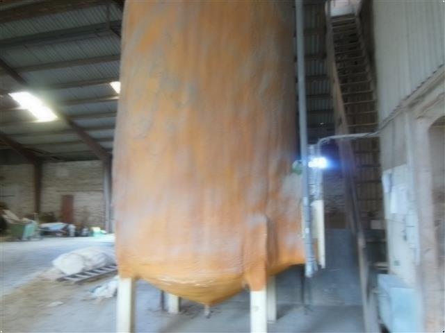 - - - Fedttank 6000L m/1,5 tons fedt