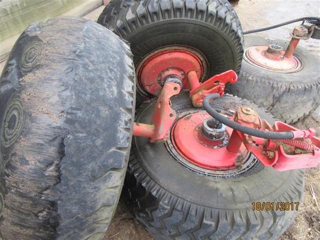 Belarus Komplet hjul nav med bremser.