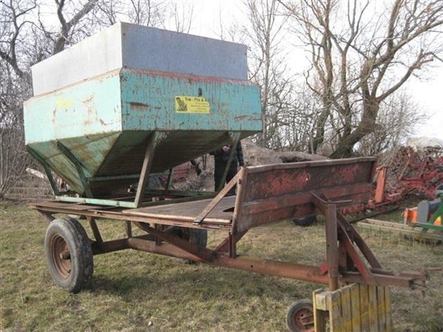 - - - AB Kornkasse med vogn