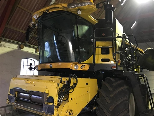New Holland 9080CR